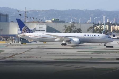 El vuelo inaugural de United entre San Francisco y Singapur está programado con el Boeing 787-9 N17963, avión que entregó Boeing a la aerolínea el 21 de enero de 2016.