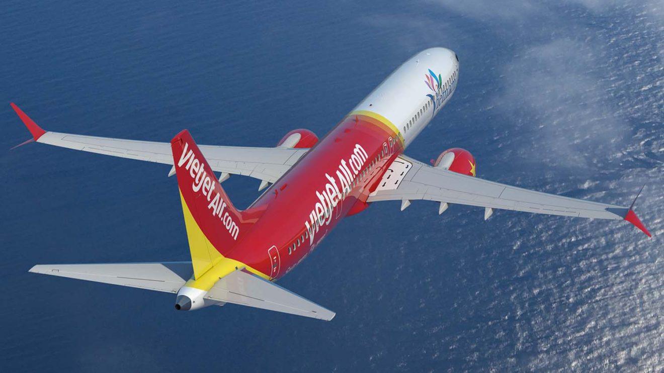 Boeing 737 MAX con los colores de Vietjet.