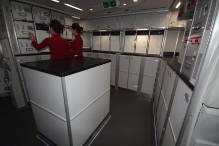 Galley trasero del Airbus A350 de Vietnam Airlines.