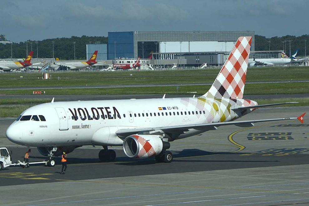 Airbus A319 de Volotea en el aeropuerto de Toulouse.