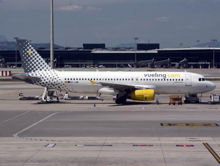 Vueling sigue siendo dentro de IAG la aerolínea de mayor crecimiento. Sólo en 2015 ha recibido 10 nuevos aviones ya.