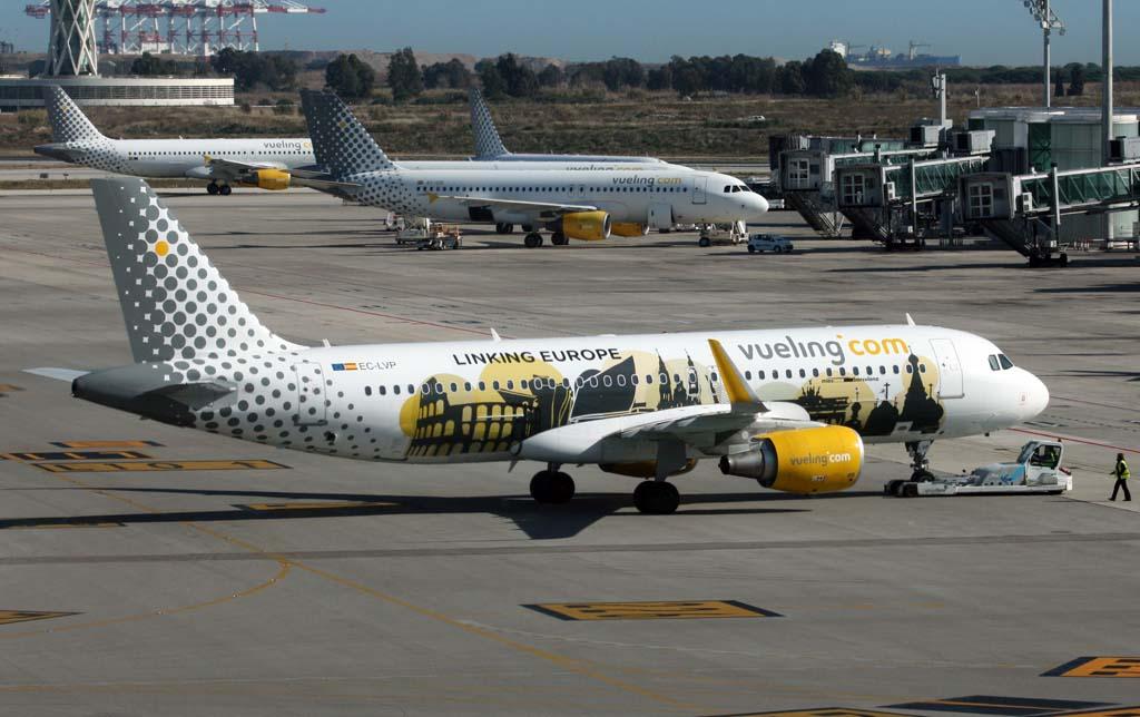 Aviones de Vueling en Barcelona (Foto C. Navarro)