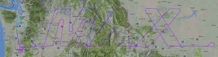 """Flightradar y otras web similares en las que es posible seguir los vuelos de los aviones han hecho que los pilotos de prueba muchas veces escriban con sus aviones en el cielo. Durante uno de los últimos vuelos de prueba, el 11 de febrero de 2017 durante ocho horas de un vuelo de 9 horas y 11 minutos el cuarto B-737 MAX 8 trazó esta ruta. """"MAX"""" mide 1.000 km de largo y 275 km de alto."""