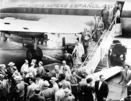 Vuelo inaugural del primer Constellation de Iberia, a su llegada a Nueva York.