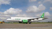 El primer Embraer E-Jet2 entregado es este E190-E2 para la aerolínea regional noruega Wideroe.