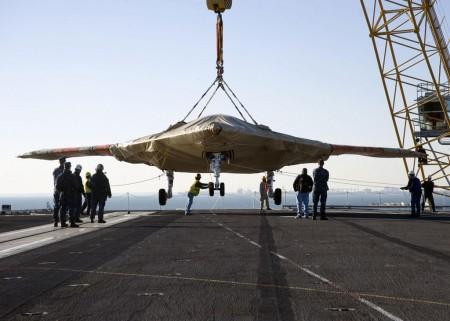 El Grumman X-47B será el mayor UAV probvado hasta ahora a bordo de un buque.