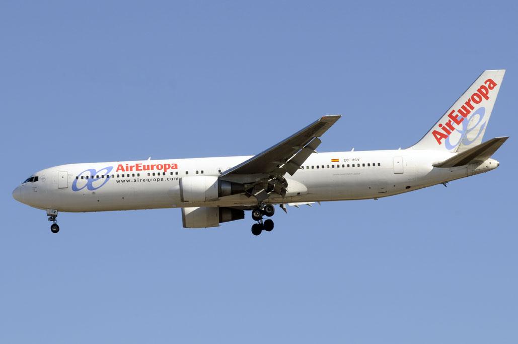 Boeing 767 EC-HSV