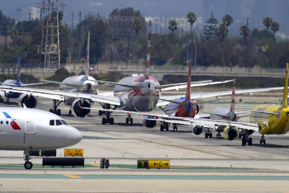 El transporte aéreo unido pide que los slots aeroportuarios no se pierdan por las prohibiciones gubernamentales a los viajes.