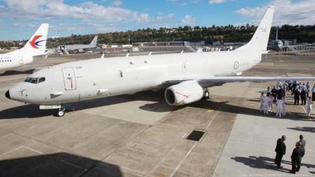 Entrega a la Fuerza Aérea de Australia de su primer P-8 el 27 de septiembre.