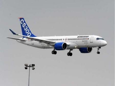 El CS300 ha sido el encargado de abrir las demostraciones en vuelo en el salón de Le Bourget.