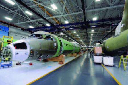 La cadena de montaje del Q400 está en las instalaciones de Bombardier en el aeropuerto Downsview de Toronto.