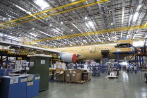 Airbus A330 en conversión a MRTT en la factoría de Getafe.