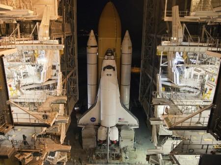 El Discovery está ya en la rampa de lanzamiento