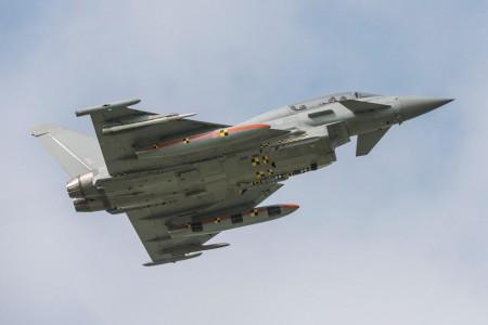 Pruebas con el IPA5 británico con el misil Meteor.