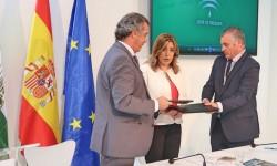 Fernando Alonso, presidente de Airbus España,Susana Díaz, presidenta de la Junta de Andalucía, y Javier Carbero, consejero de Empleo, Empresa y Comercio de la Junta.