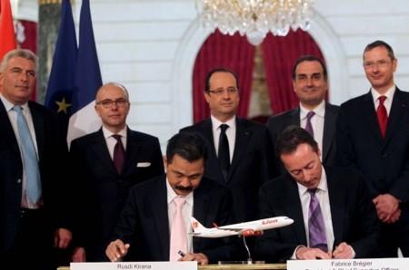 Firma del contrato de compra de 234 A320 por Lion Air