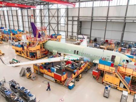 El montaje de los dos primeros A320 de Flyadeal se ha llevado a cabo en las instalaciones de Airbus en Finkenwerder.