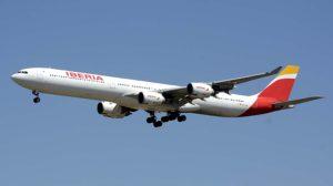 El Airbus A340 EC-JFX de Iberia llegando al aeropuerto de Madrid Barajas.