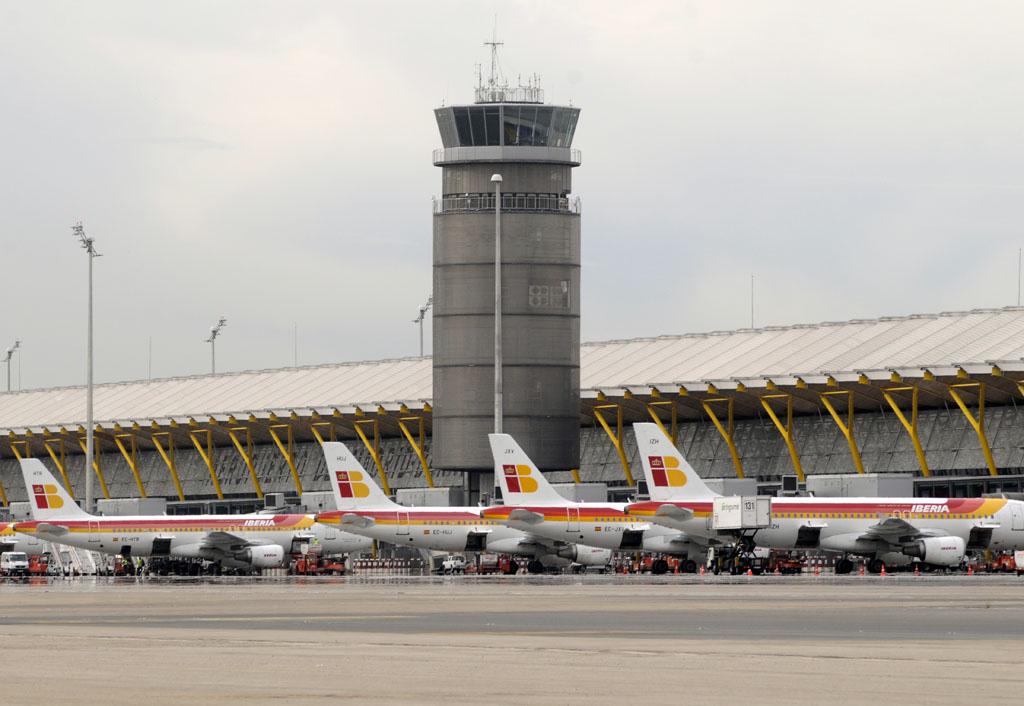 Aviones de Iberia en la T4
