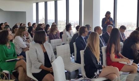 Los cerca de 80 asistentes han tenido la ocasión de preguntar a las ponentes y expresar sus opiniones sobre los temas tratados.
