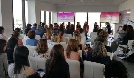 la IV Jornada Mujer y Aeronáutica ha contado con cerca de 80 asistentes para escuchar a las ponentes.