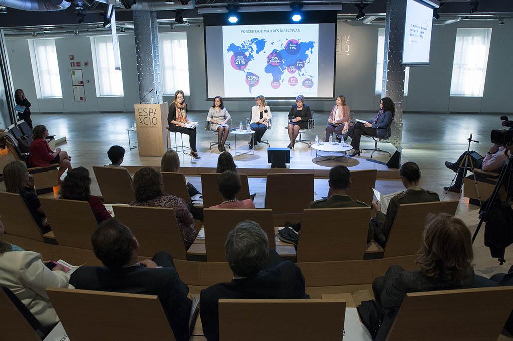 La I Jornada Internacional Mujer y Aeronáutica se celebró en 2014 con cerca de 200 asistentes.