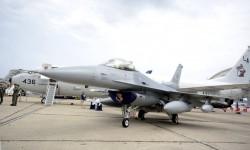 El F-16C 89-009 de la base de Aviano luce una estrella por el derribo de un Galeb serbio.