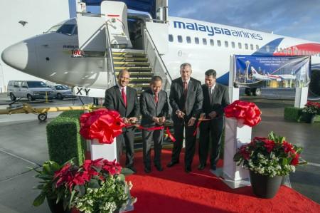 Entrega del Boeing 737 número 100 de Malaysia Airlines