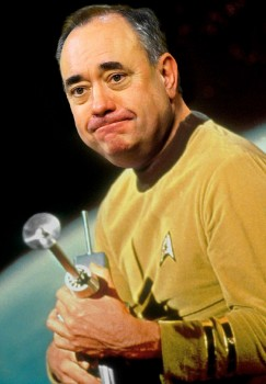 Meme de la prensa británica de Alex Salmond como el el capitán Kirk de Star Trek.