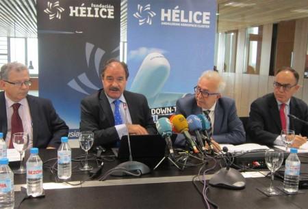 De izquierda a derecha: Simón Vázquez, cluster manager de Hélice; Arturo de Vicente, director gerente de Hélice; José Sánchez Maldonado, consejero de Economía, Innovación, Ciencia y Empleo; y Antonio Valverde, director de la Agencia IDEA.