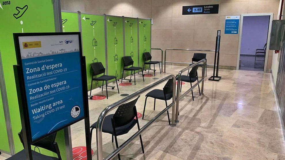 Aena organiza la realzación de pruebas COVID en 15 de sus aeropuertos para pasajeros que salgan de España.