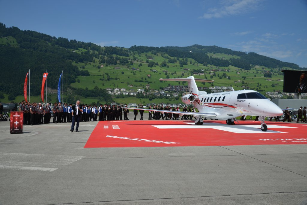 Ceremonia de presentación del Pilatus PC-24.