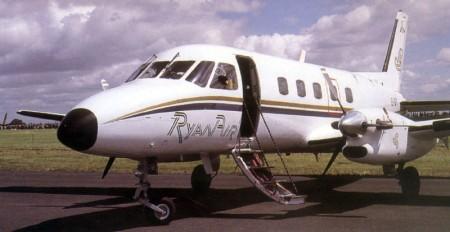 Ryanair inició operaciones en 1985 con un Embraer Bandeirante