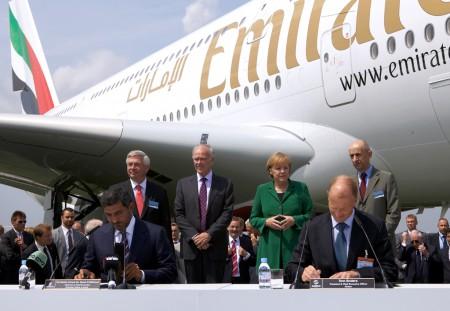 Firma de la compra de 32 Airbus A380 por Emirates