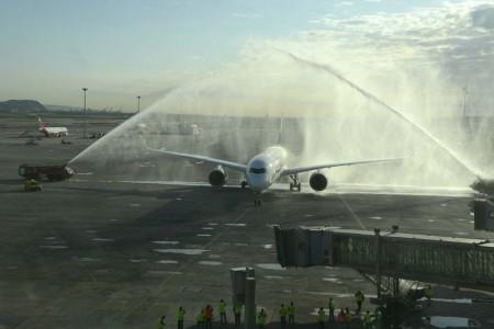 Recibimiento del A350 de Singapore Airlines en Barcelona.