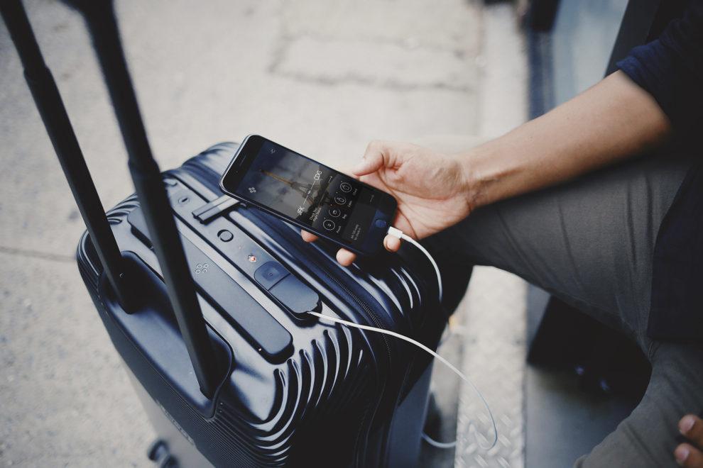 Los equipajes inteligentes incluyen baterías de litio para numerosos usos.